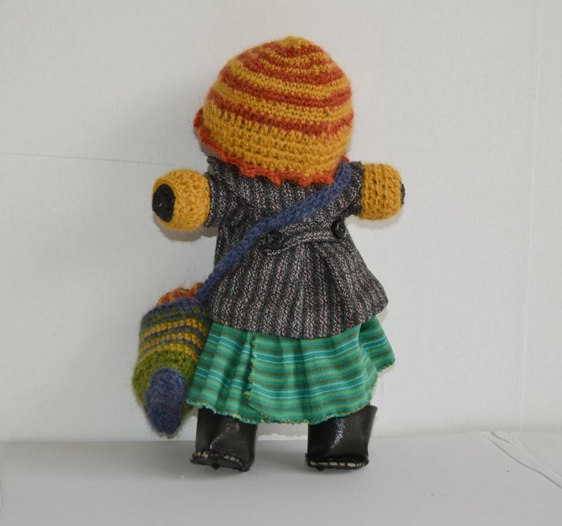 Doll-back1