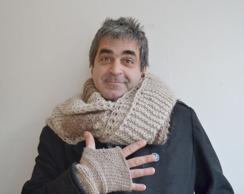 Knitted scarf-f